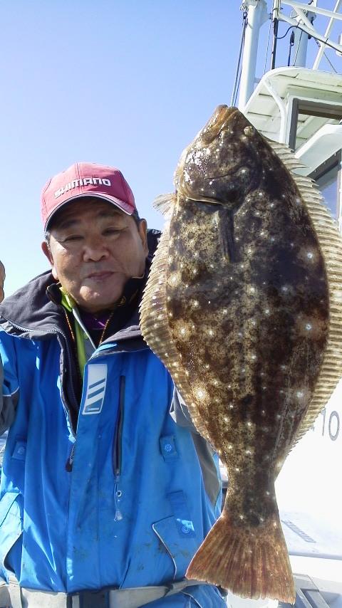 ヒラメ釣りで…ヤッタァ〜