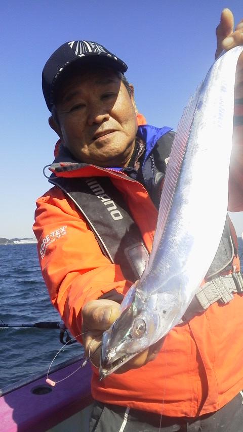 京浜大津・小川丸のタチウオ釣りで〜す。