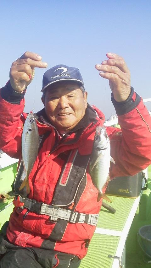 新安浦・村上釣り船店のマアジ釣りです。