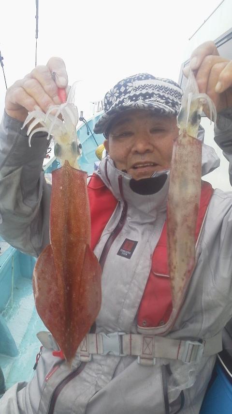走水・吉明丸の……マルイカ釣りですよ〜