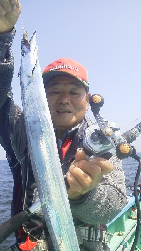 久里浜・平作丸のタチウオ釣りに…