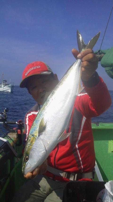 勝山・庄幸丸のワラサ釣り…