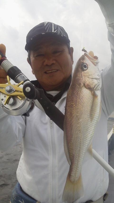 金沢漁港・鴨下丸のイシモチ釣りに……