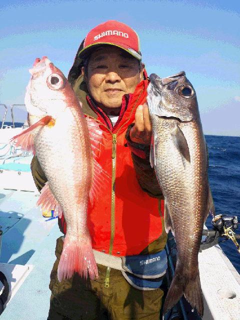 初釣りに…赤いのか…