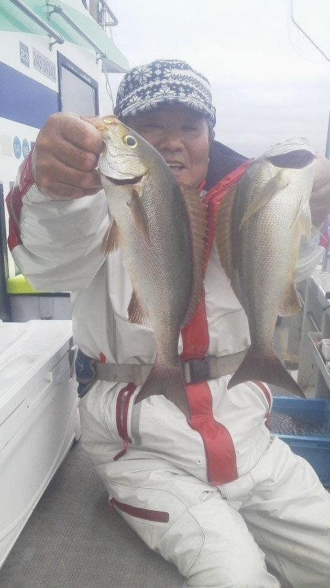 御前崎沖のマダイ釣りに…