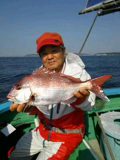 久里浜沖のマダイ釣りに…