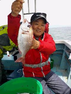 ハナダイ・アジ釣り大会に…